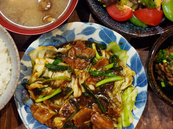 Cabbage-and-pork-fermented-soybean-paste-fry.jpg