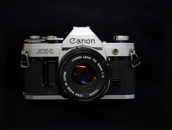 canonAE-1--.jpg