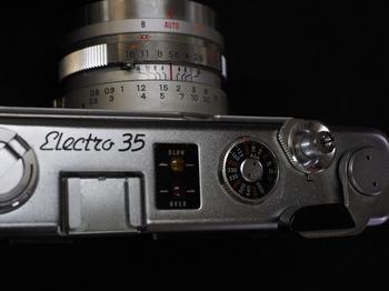 yashica-electro35-2.jpg