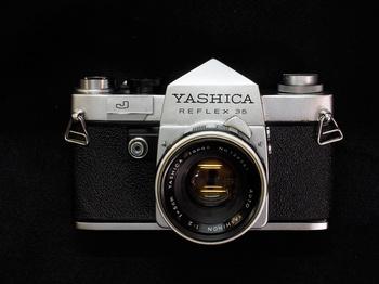 yashica-reflex1.jpg