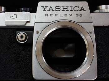 yashica-reflex2.jpg
