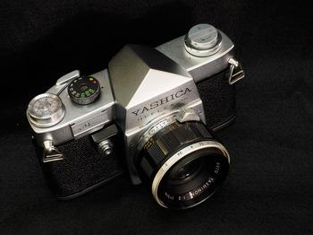 yashica-reflex3.jpg